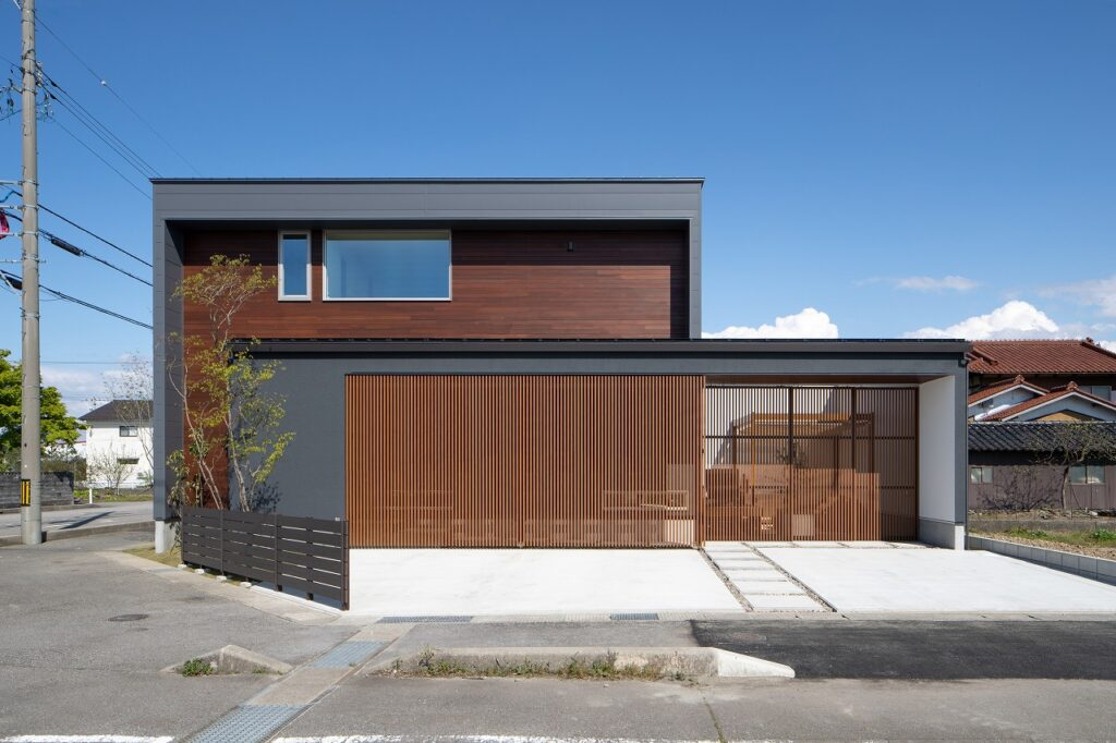 西荒屋モデルハウス*R+贅沢な家
